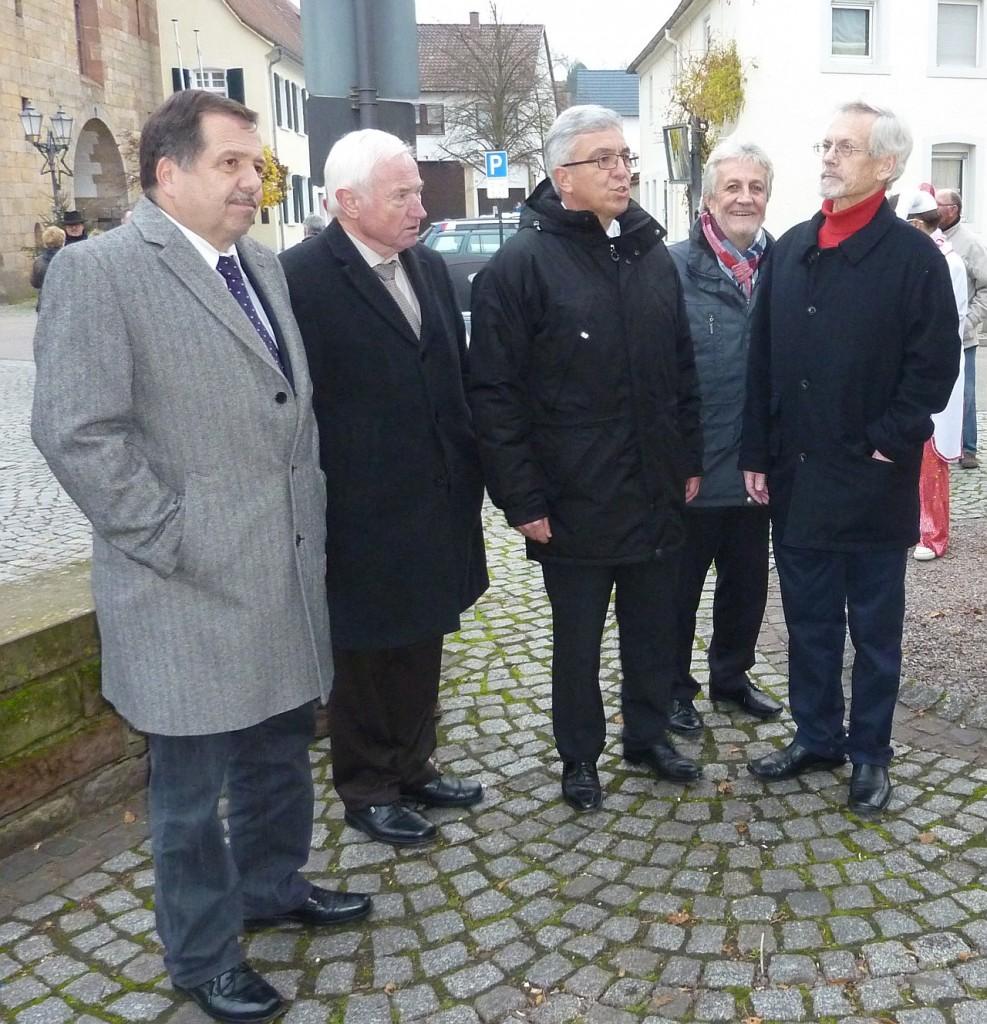 Dorfrundgang; Franz Kattler, Erwin Grimm, Roger Lewentz, Bernd Meyer; Foto: Birgit Bauer